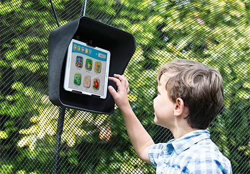 Chytrá bezpružinová trampolína nabízí bezpečí, zábavu pro mozek a unese i auto!