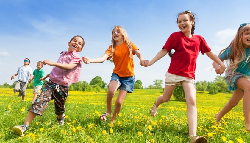Děti chodí ven čím dál méně, i kvůli nám