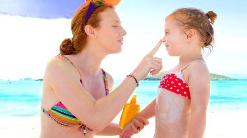 Problém jménem citlivá dětská pokožka: Jak ji nejen v létě chránit před sluníčkem?