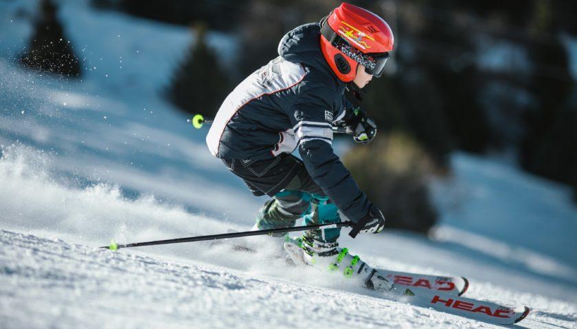 5 tipů, jak vybavit celou rodinu na lyže